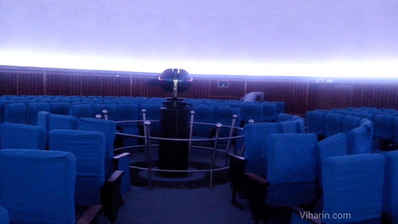 visit to nehru planetarium delhi The nearest metro station to nehru planetarium delhi would be udyog bhawan metro station the metro station is at a distance of 18km from the planetarium and if you get an auto from the station to the planetarium it would only take you about 4 minutes to reach.