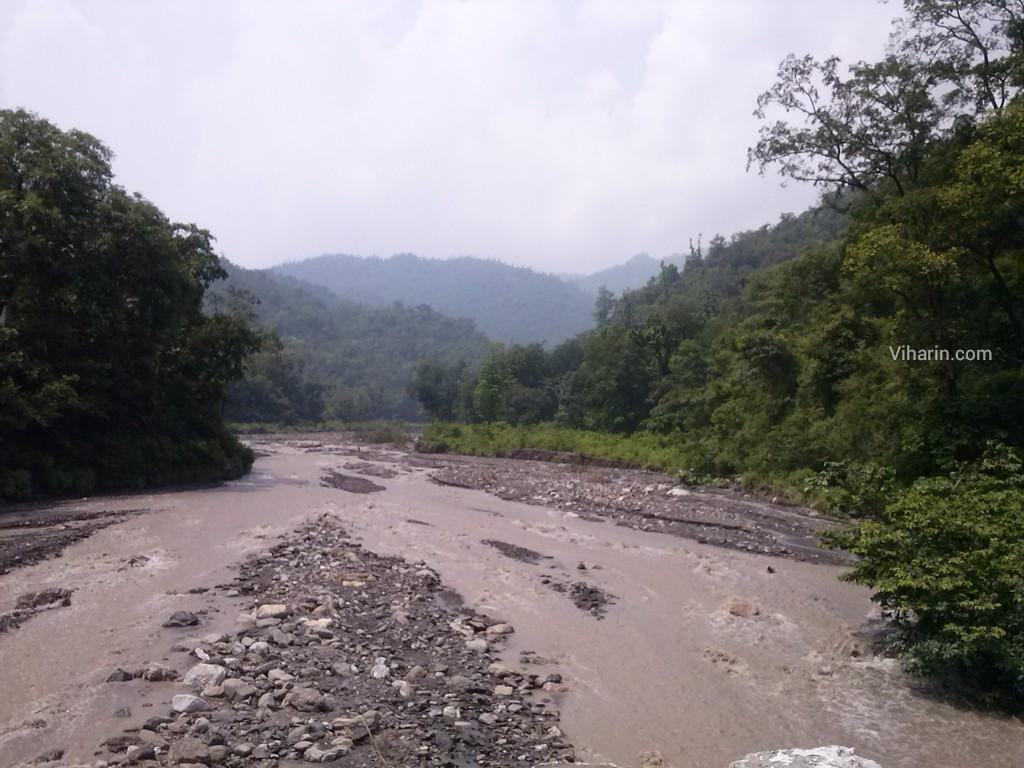 Viharin.com- view on the way to Rishikesh