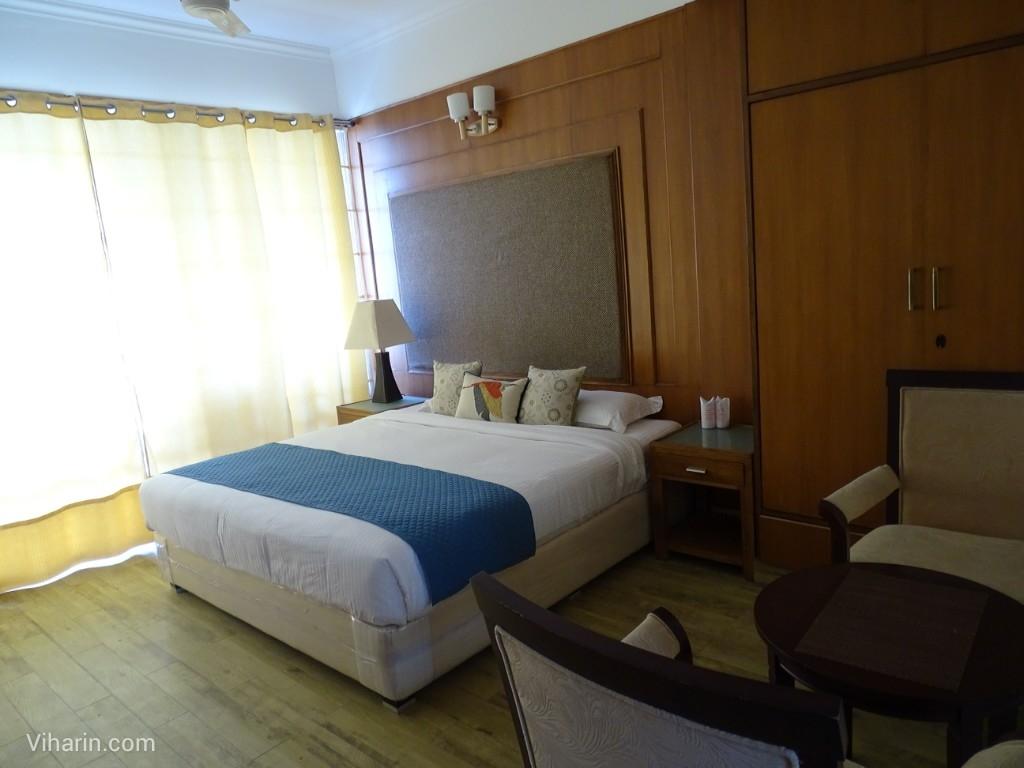 Viharin.com- Room at Dunn Perk Manor