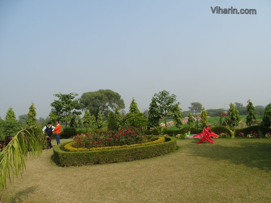 Viharin.com- Lawns at Ganpati Resort