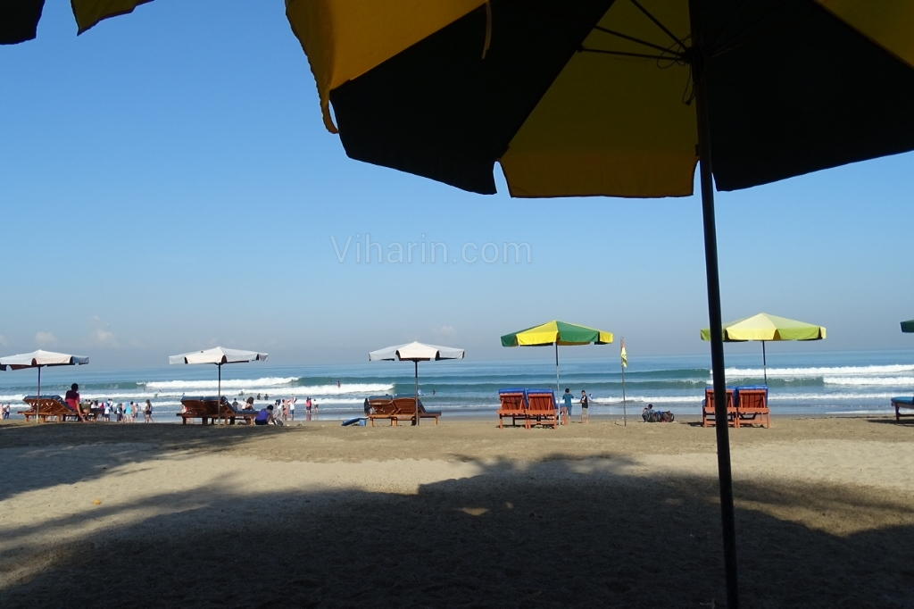 Viharin.com- At the Legian Beach