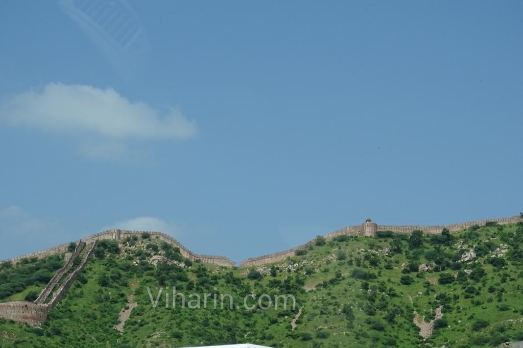 Viharin-com-Necklace of hills of Jaipur