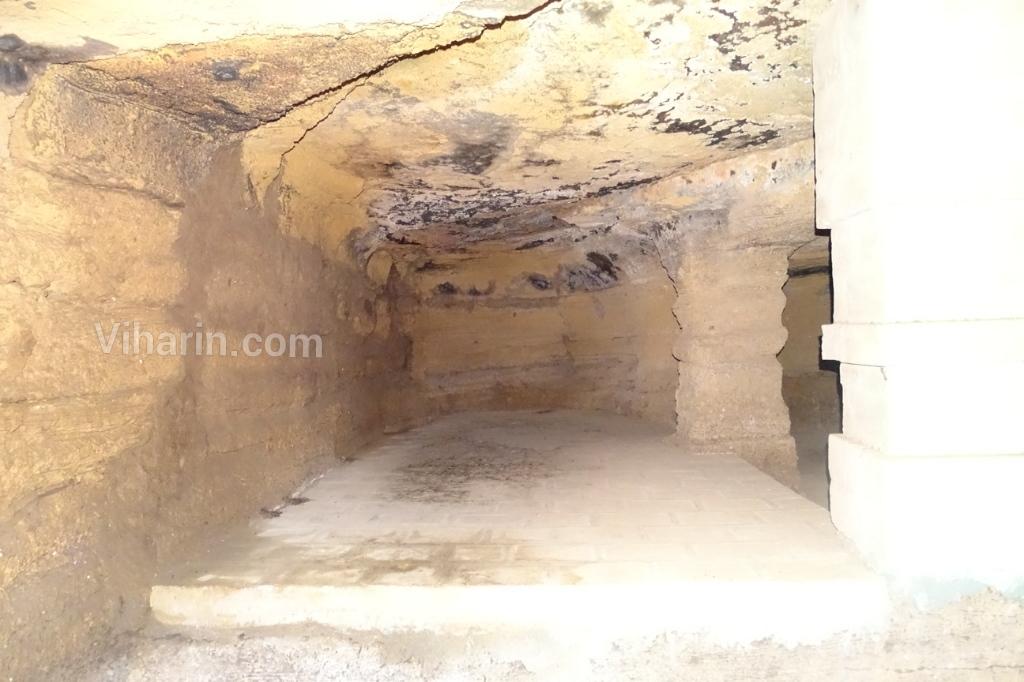 viharin-com-inside-cave-view