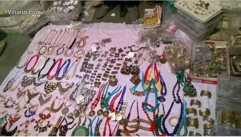Viharin.com- Road side vendors