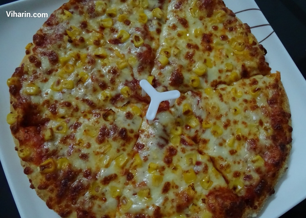 Viharin.com- Cheesey Corn Pizza from Dominos