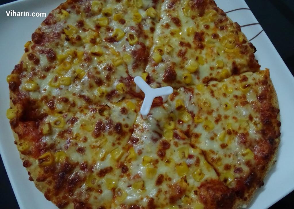 Viharin.com-Cheesey-Corn-Pizza