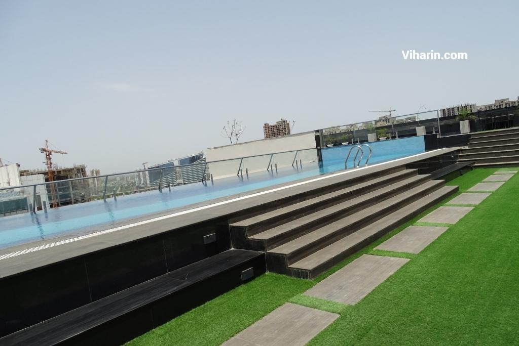 Viharin.com- Infinity pool