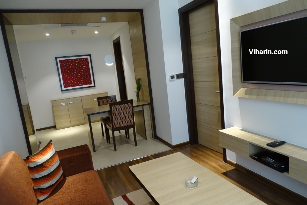Viharin.com- Living room at Luxury Suite