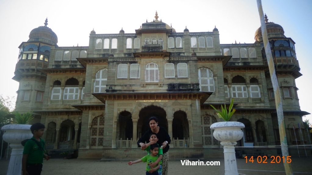 Travelling Mother influencer with kids at Vijay Vilas Palace, Mandvi, Gujarat