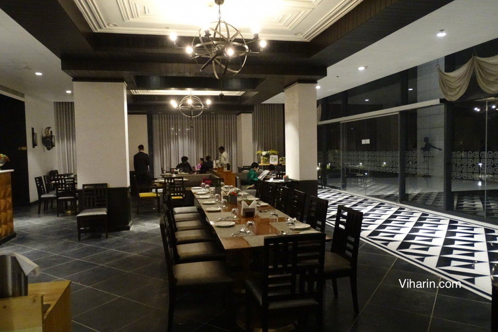 Viharin.com- Ambiance of On Kourse Restaurant