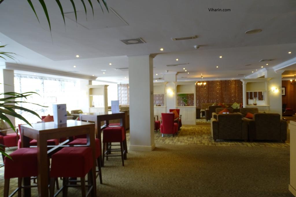 Lobby at Thistle London Heathrow