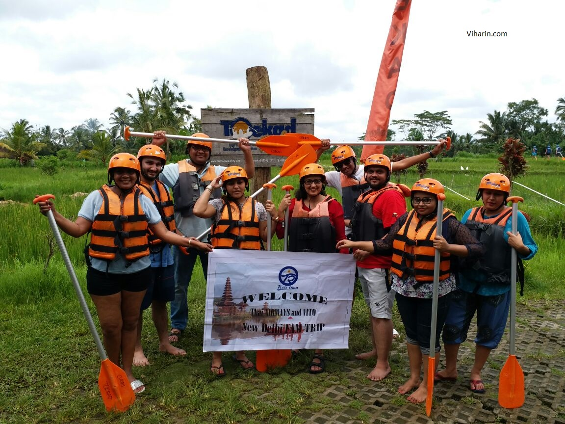 River-Raftng-team-at-Toekad-Rafting
